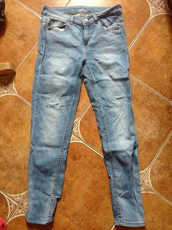 Zara spodnie rurki jeansowe r 38