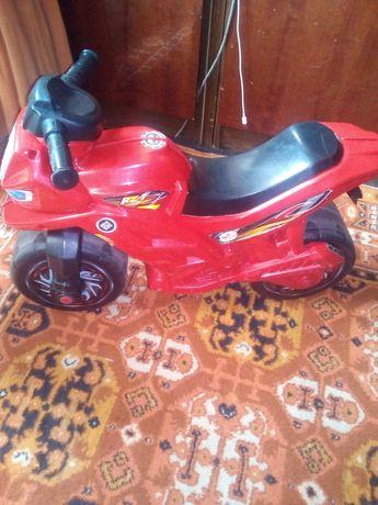 Мотоцикл детский.толокар беговел
