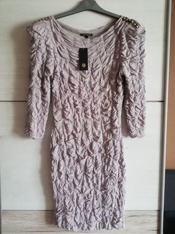 Marszczona nowa sukienka