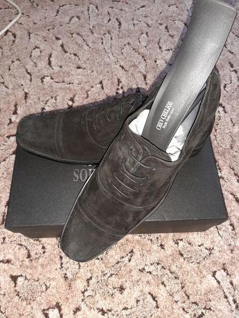 Продам нові чоловічі туфлі замшеві 43 розмір
