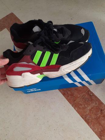 Tênis Adidas Yung-96