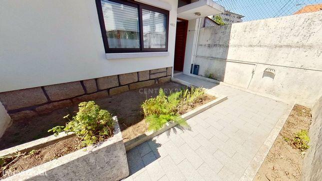 Apartamento T2+1 ( andar Moradia ), Próximo ao Hospital de S. João c/