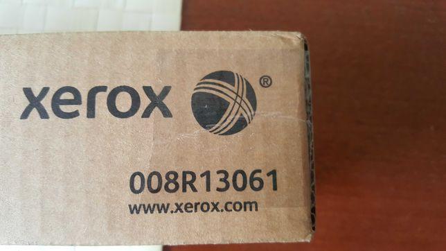 Oryginalny pojemnik na zużyty toner 8R13061 marki Xerox
