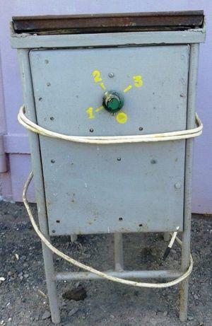 Плита электрическая 2 000 руб.