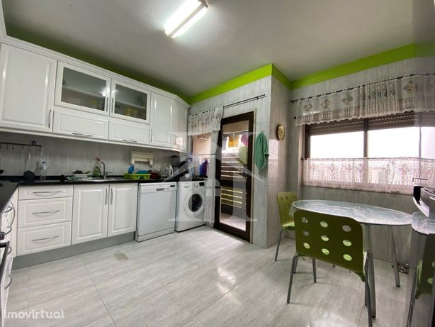 Apartamento T3 em Carnaxide
