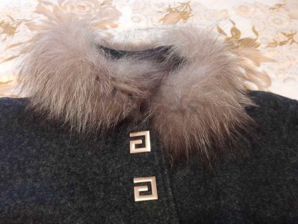 Пальто 52р, кашемир+воротник песец