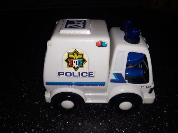 Wytrzymałe, porządne autko policyjne dla maluszka