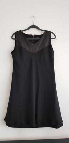 Czarna sukienka na imprezę
