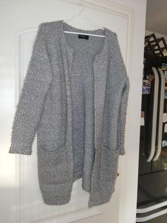 Długi ciepły szary sweter, srebrny kardigan Mohito