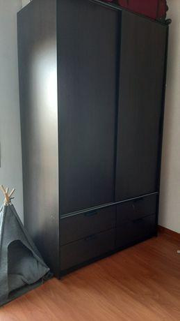 Roupeiro com gavetas IKEA