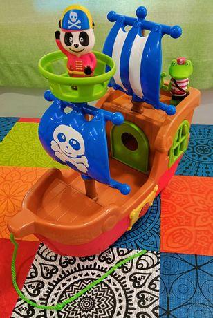 Barco dos Piratas - Panda e Crocas- usado, mas como novo.