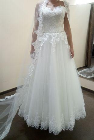 Zjawiskowa suknia ślubna i 2 welony GRATIS