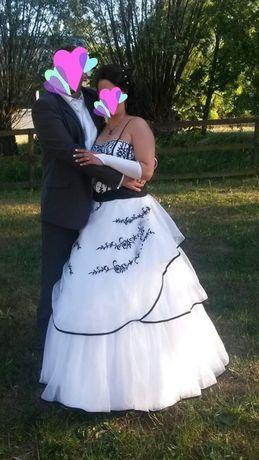 Nietypowa, piekna suknia ślubna