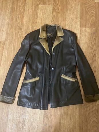 Куртка кожа, размер М.