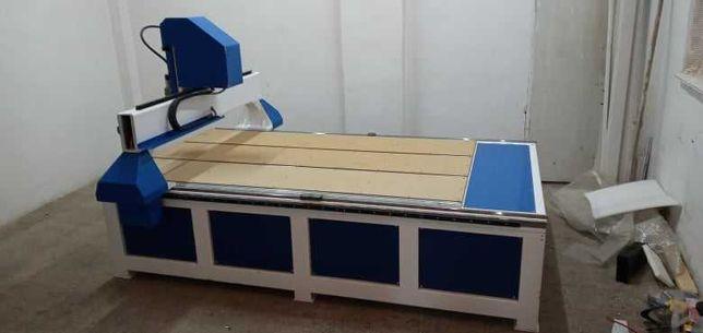 Обробка матеріалів на ЧПУ фрезері