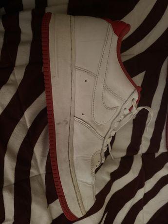 Nike air force 1 branco e vermelho