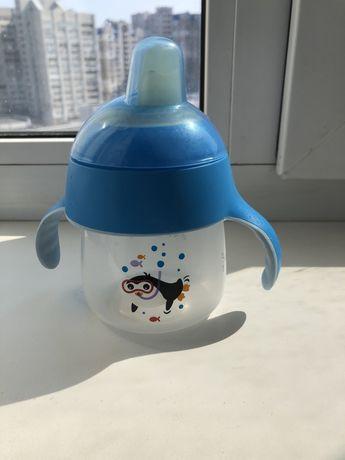 Чашка-непроливайка Avent со специальным носиком