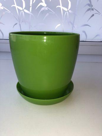 новый салатовый пластиковый горшок для цветов 14х14