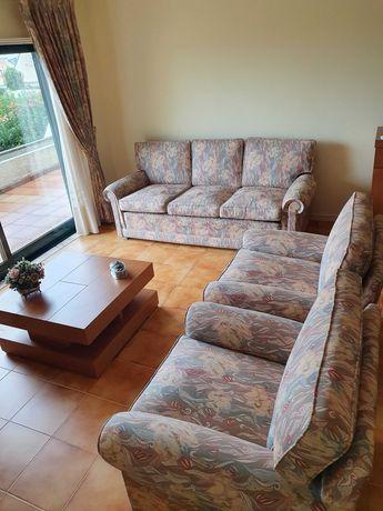 3 sofás - Vendo em conjunto ou em separado.