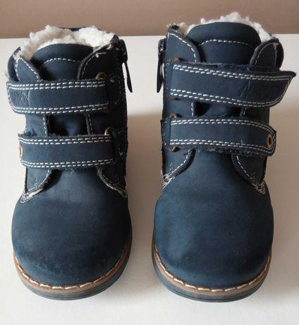 Buty ocieplane dla chłopca, na rzepy r. 24, granatowe