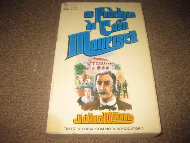 """Livro """"Os Fidalgos da Casa Mourisca"""" de Júlio Dinis"""