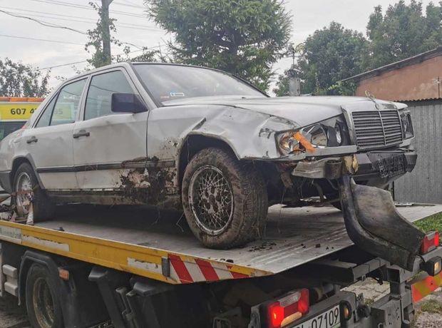 Mercedesa Benz W124 2.0 LPG - uszkodzony dużo nowych części