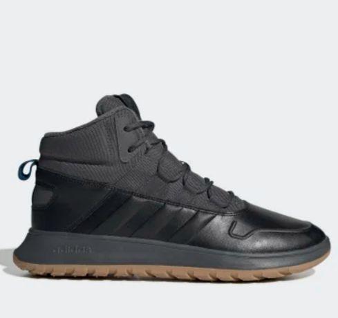 Продам новые зимние ботинки Adidas