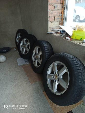 Не дорого  шини + диски 245 65 R17