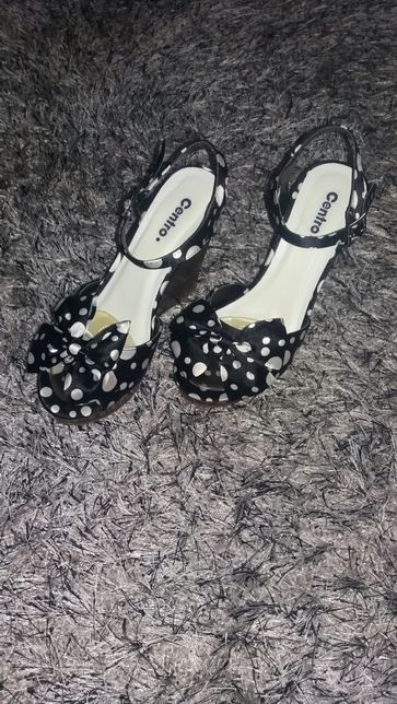 Buty damskie sandałki na koturnie