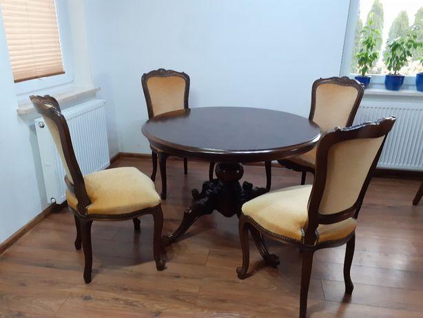 stół z orzechowym blatem i 4 krzesła barokowe