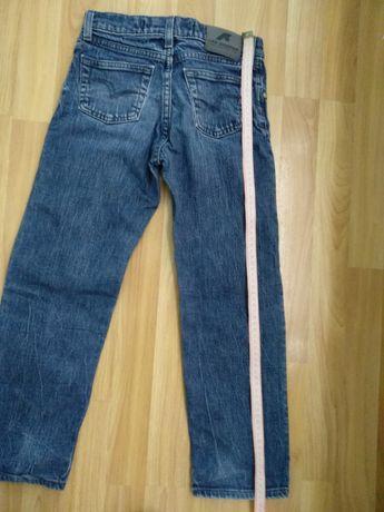 Джинсы и штаны классические, размер 34, длина 83см, шир.60см.