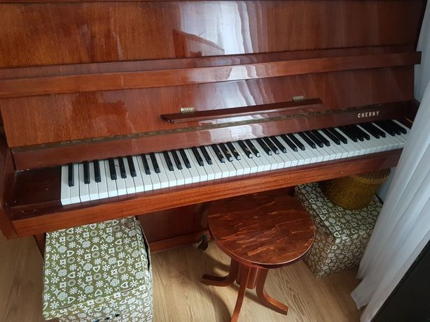 Pianino CHERNY