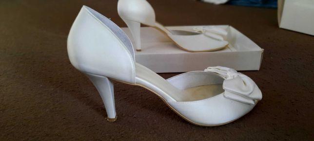 Pantofle ślubne  kolor Ivory r.40