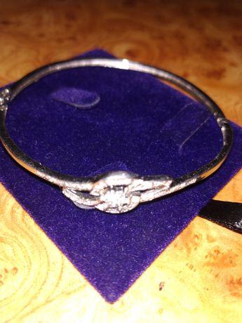 Продам браслет на руку серебренний