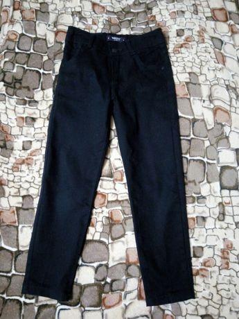 Брюки школьные джинсы штаны для мальчика 6-7 лет