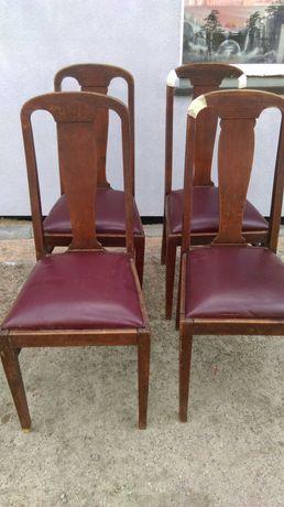 Stare krzesła dębowe