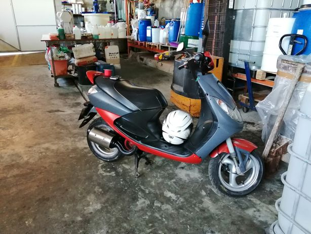 Peugeot vivacity scooter mota