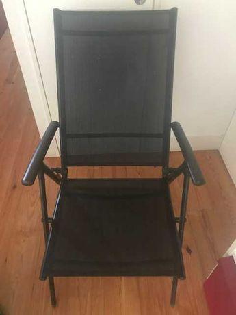 Cadeira de praia reclinável.  Muito confortável Usada mas estimada