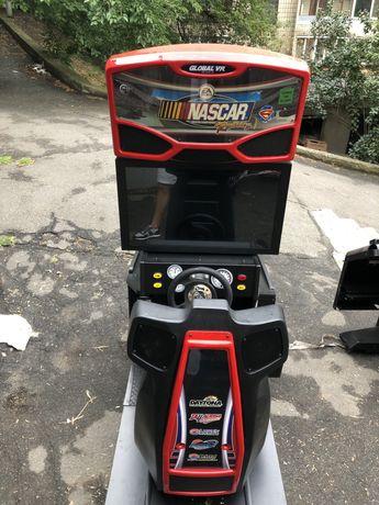 Игровой симулято гонки Nascar