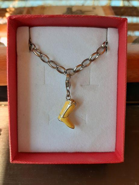 Srebrny charms żółty kozak Apart