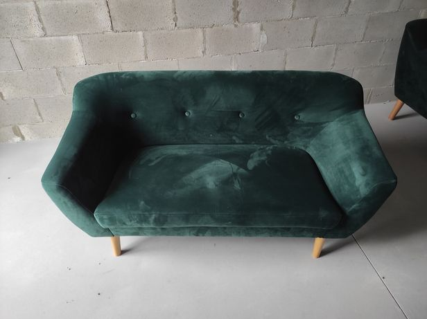 Велюровый диван изумрудный