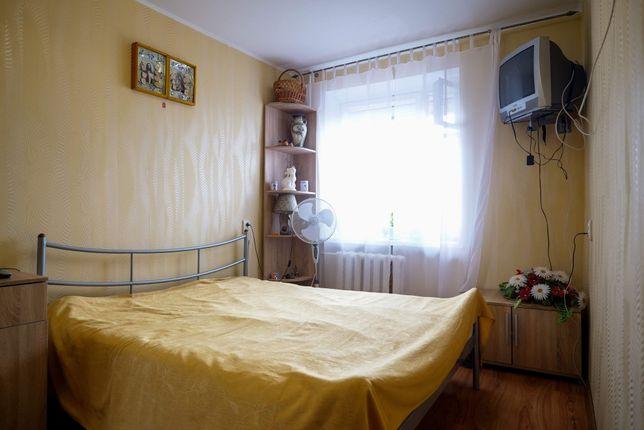 Простора (52 кв.м.) двокімнатна квартира у цегляному будинку!