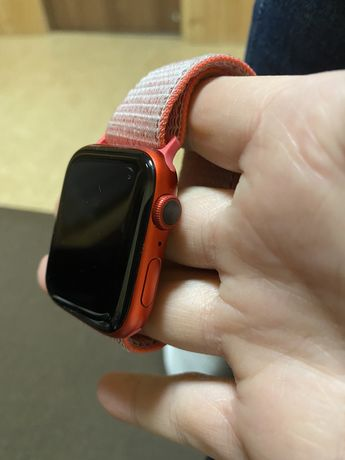 Aple Watch 6 44mm red