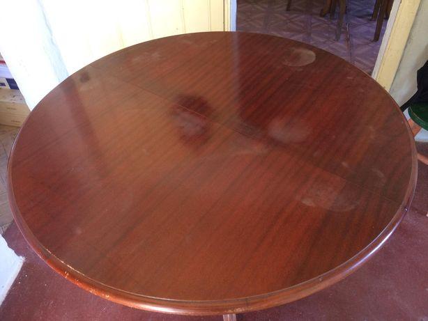 Mesa extensível e 4 cadeiras