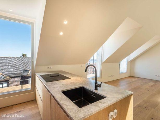 Apartamento T2+1 totalmente remodelado, contemporaneo, ju...