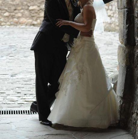 Suknia ślubna z salonu Karina rozmiar 38/160-165cm ecru kształt A