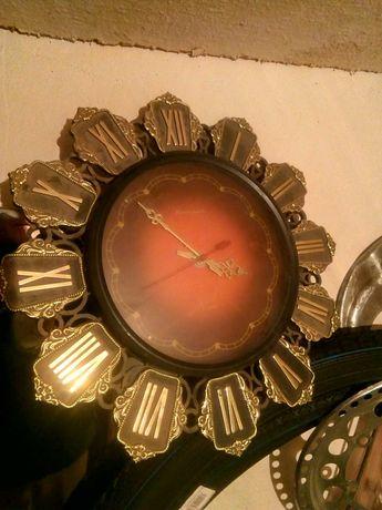 Часы настенные советские-3 экземпляра