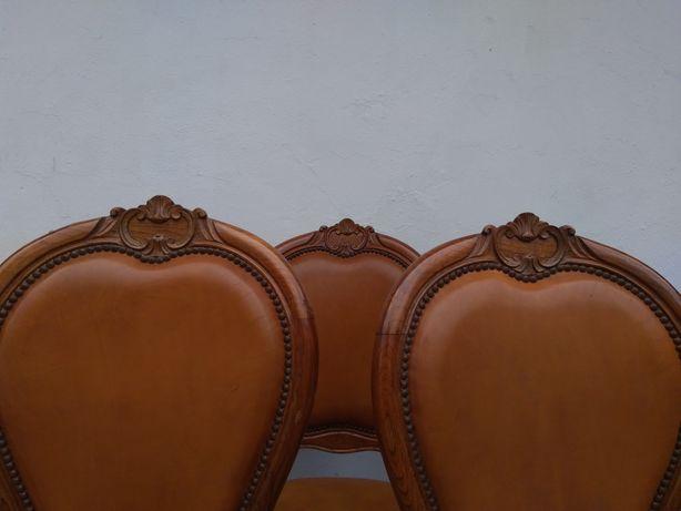 Cadeiras madeira trabalhada