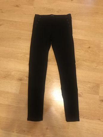 Damskie elastyczne spodnie z wyzszym stanem z reserved 40 L czarne