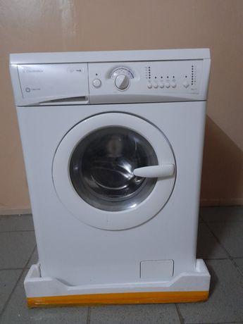 Продам стиральную машину б/у.